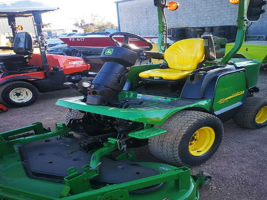 John Deer Commercial Mower